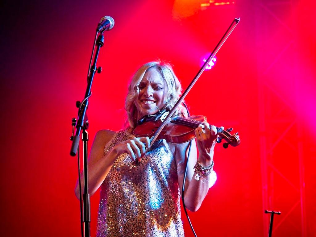 Paloma Trigas, Fiddle player in the Urban Folk Quartet, Shrewsbury Folk Festival, UK by Sam Davis Professional Music Photographer
